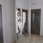 зеркальный в холле
